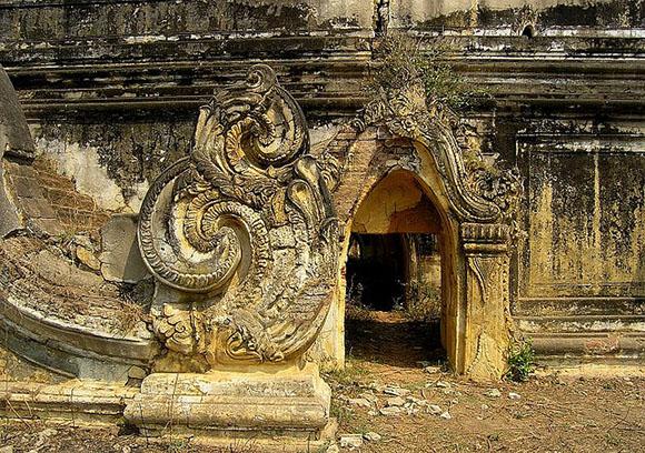 Amarapura Palace Ruins