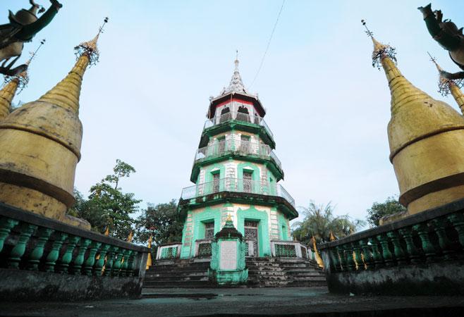 Ah Lain Nga Sint Temple - Yangon Myanmar