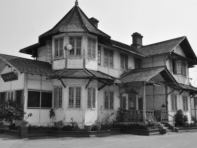 Chan Tak Buddhist Temple - Pyin Oo Lwin Myanmar