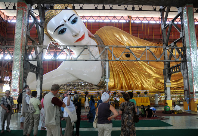 Chauk Htat Gyi Reclining Buddha 1