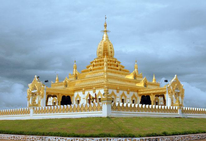 Maha Ant Htoo Kan Thar Pagoda - Pyin Oo Lwin Myanmar