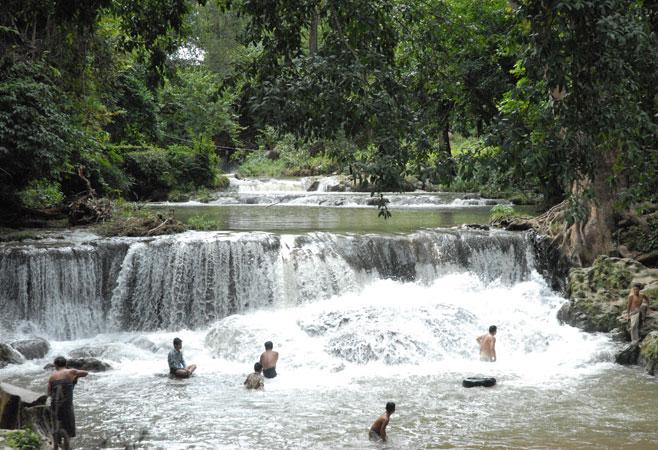 Pwe Kauk Waterfalls or B.E Waterfalls - Pyin Oo Lwin Myanmar