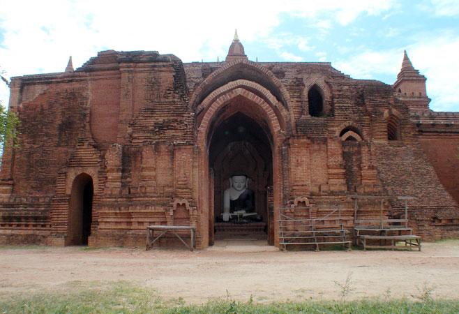 Pyathatgyi Temple brickwork