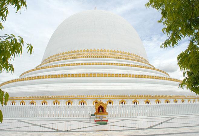 Kaungmudaw Pagoda when it was white